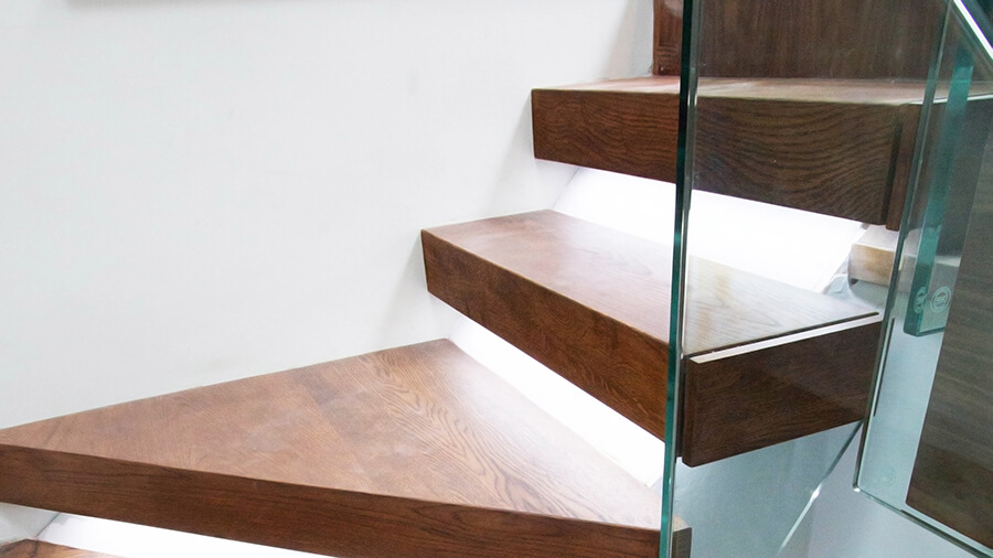 Floating Clasic Staircase