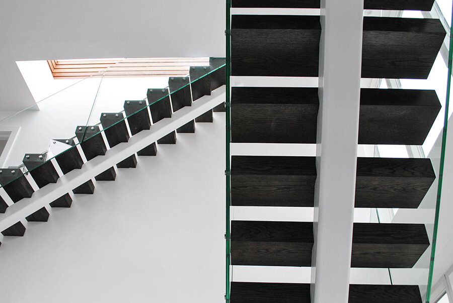 Dark Wood Middle Spine Stairs