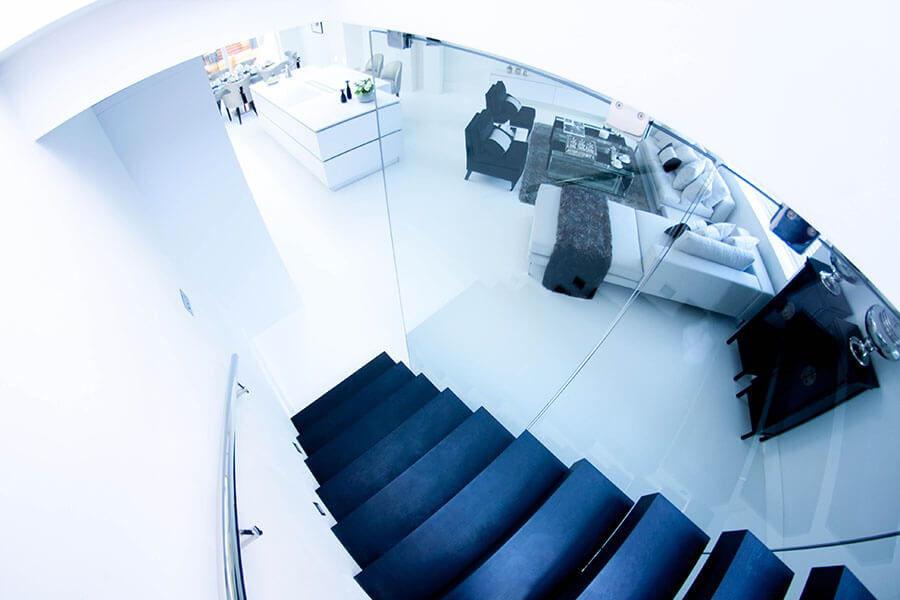 Beautyfull Floating Stairs with black steps