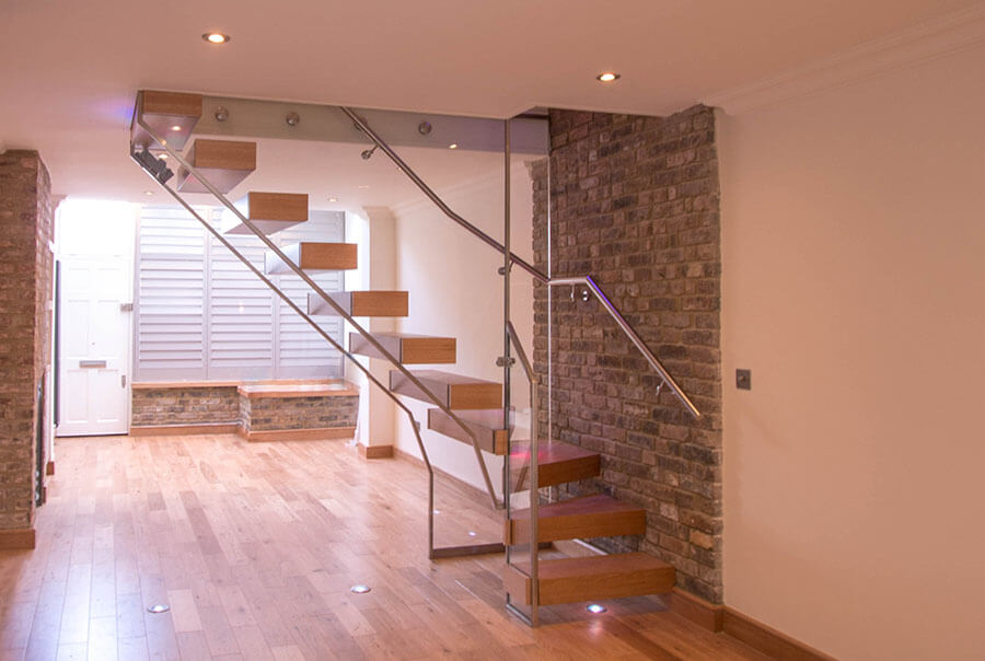 Flaoting Warm Oak Stairs