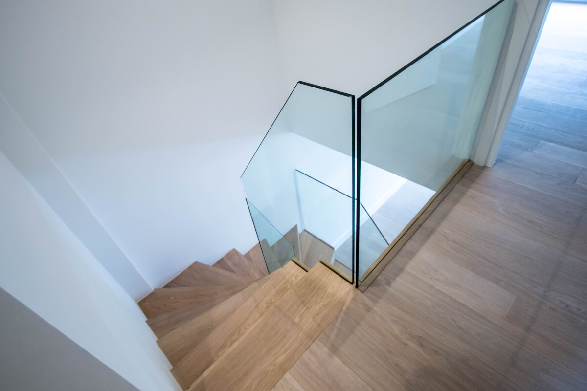 Glass balistrade